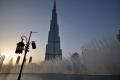 Dubai: Dubai Fountain vor dem Burj Khalifa