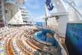 Oasis of the Seas: Aqua Theater mit Kletterwand