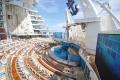 Oasis of the Seas: Aqua Theater mit Kletterwand