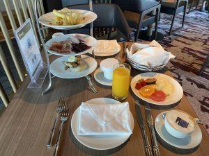 Frühstück im Hanami