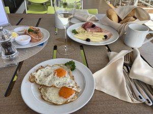 Frühstück im East Restaurant