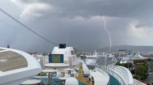 Gewitter über AIDAblu