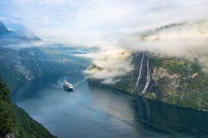 Mein Schiff im Getragner Fjord