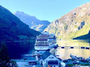 AIDAmar im Geiranger Fjord